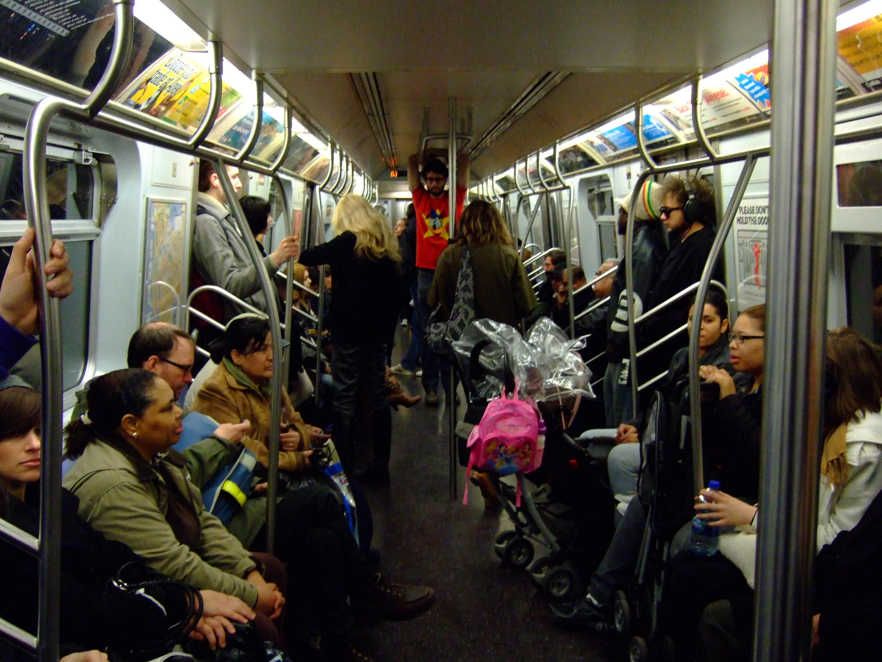 new york subways For being a bunch of rule-breakers, new yorkers are surprisingly strict about  underground etiquette we love that our city is a massive melting.